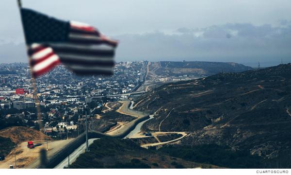 Frontera con la bandera de Estados Unidos de América