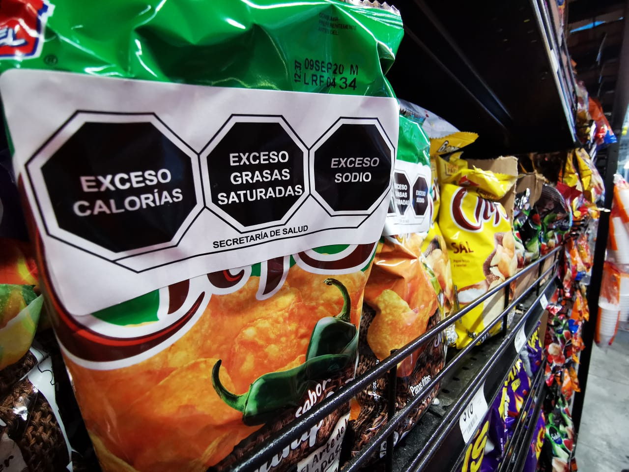 Nuevo etiquetado de alimentos busca consumo saludable y reformulación de productos - Contralinea