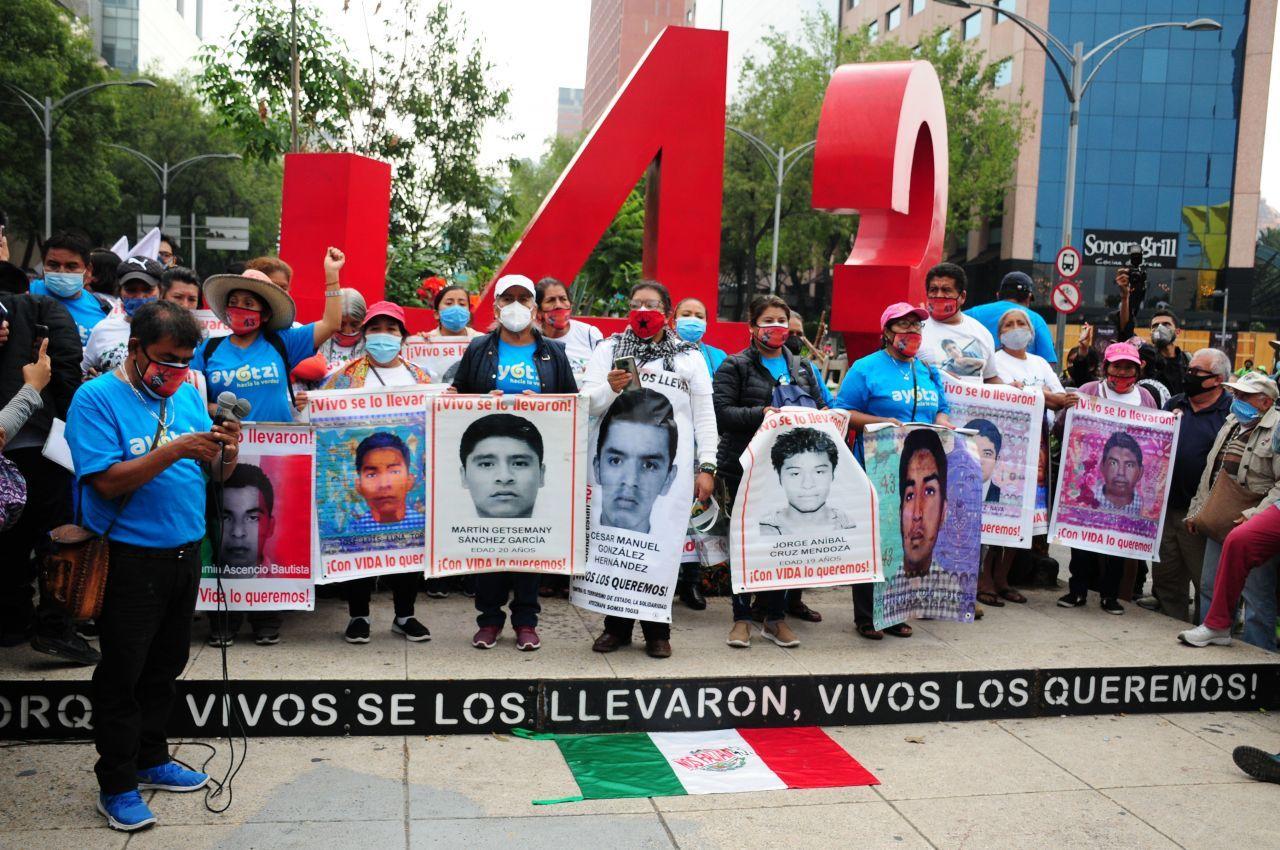 Familiares de los 43 de Ayotzinapa