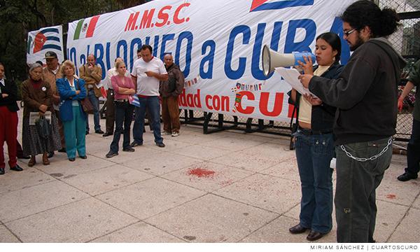 Bloqueo en la embajada de cuba