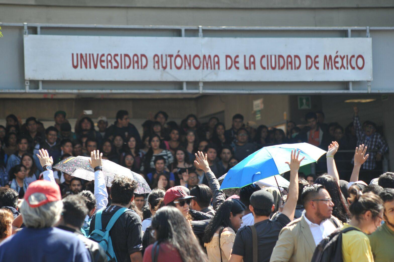 Estudiantes de la UACM
