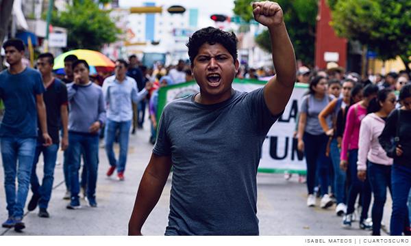 estudiantes de las normales rurales en manifestación