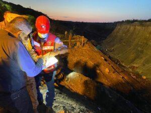 Expertos revisan accidente en mina de Coahuila