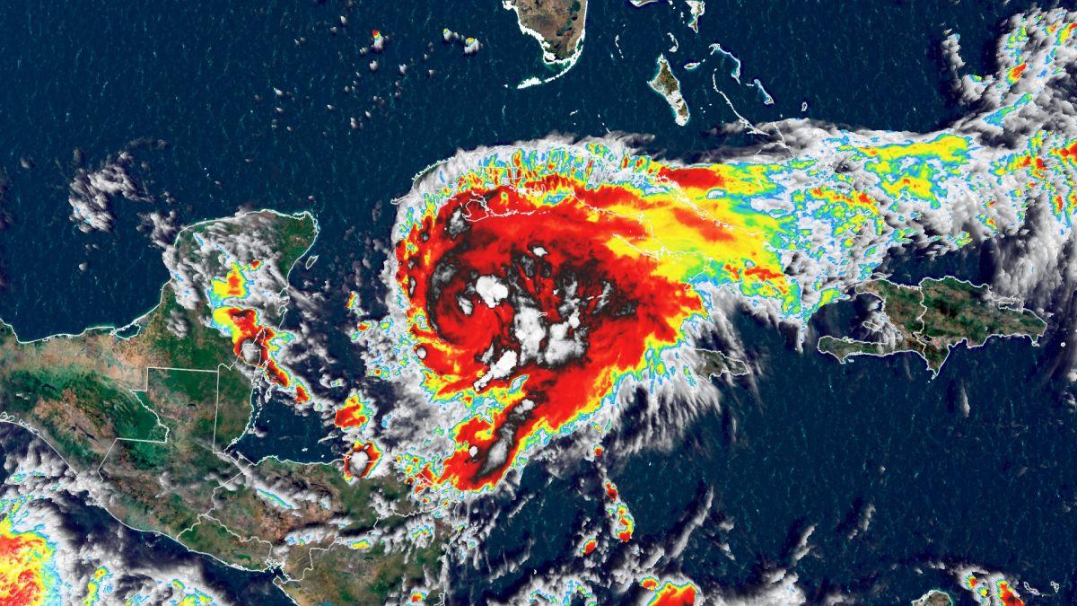 imagen satelital del Huracán Grace
