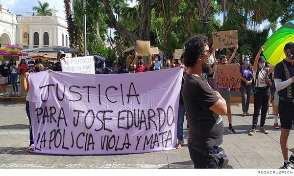 Manifestantes pidiendo justicia para José Eduardo Ravelo