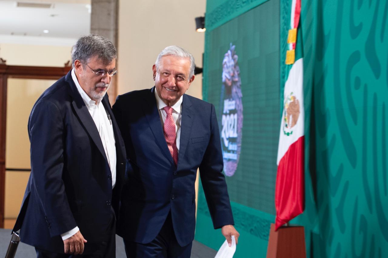 Julio Scherer junto a Andrés Manuel López Obrador